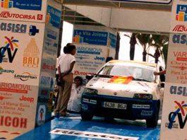 podium salida rally
