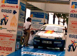 podium salida rally
