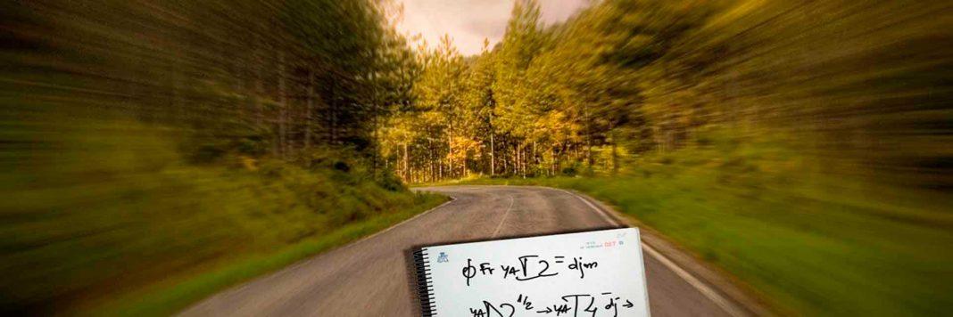 carretera con notas